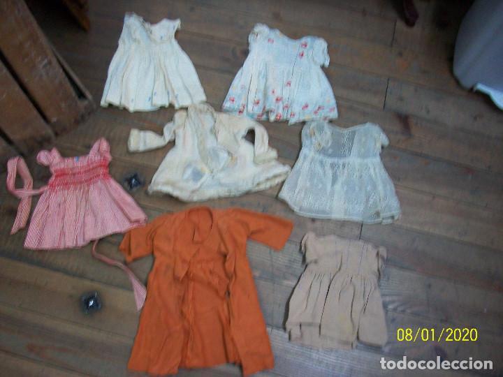 LOTE DE 7 VESTIDOS ANTIGUOS PARA MUÑECAS (Juguetes - Casas de Muñecas, mobiliarios y complementos)