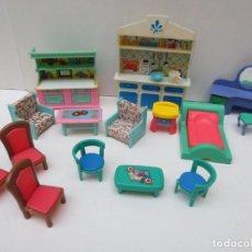 Casas de Muñecas: LOTE DE MUEBLES PLASTICO PARA CASA DE MUÑECAS. Lote 213996052
