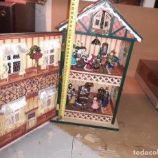 Casas de Muñecas: CAJA MÚSICA ANTIGUA CASA DE MUÑECAS. Lote 222608690