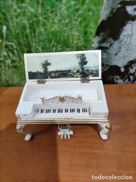 PIANO CAJA PARA CASA DE MUÑECA (Juguetes - Casas de Muñecas, mobiliarios y complementos)