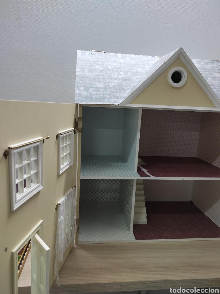 Casas de Muñecas: Casa de muñecas estilo victoriano con mobiliario y muñequitos - Foto 13 - 223619272