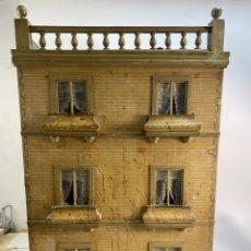 Casas de Muñecas: *CASA DE MUÑECAS DE MADERA CON TODAS LAS PIEZAS DECORACION INTERIOR Y MUÑECAS.FINALES S.XIX. Lote 232174275