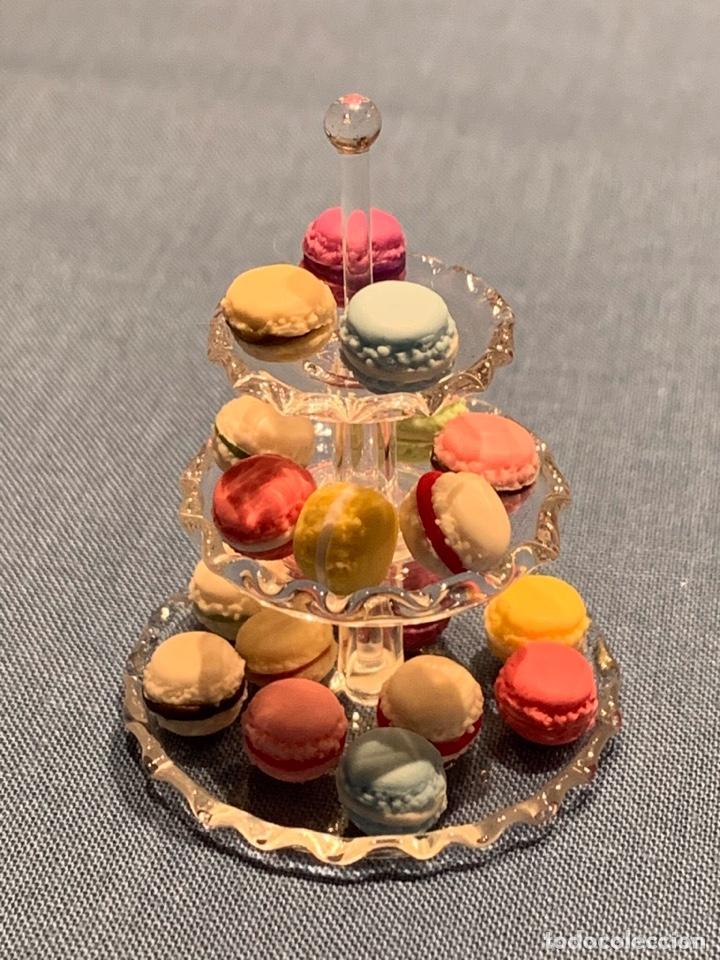 Casas de Muñecas: Soporte de cristal tres pisos, con pasteles macarons miniatura; casa de muñecas - Foto 2 - 233598270