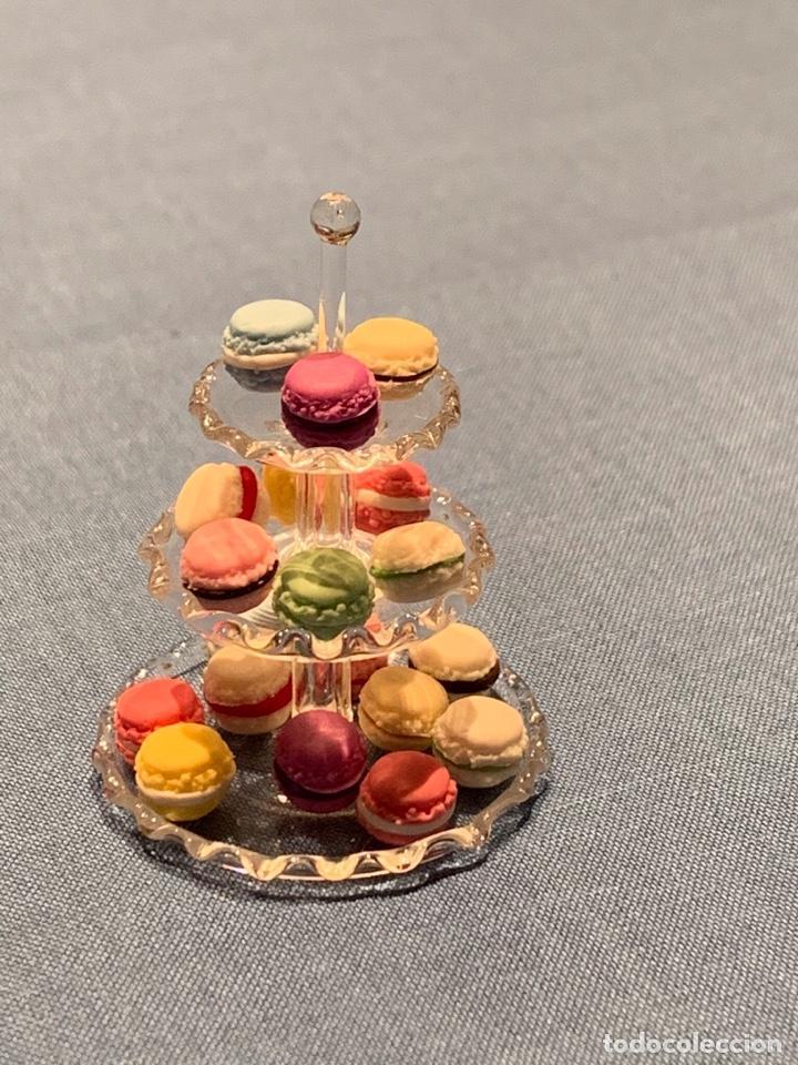Casas de Muñecas: Soporte de cristal tres pisos, con pasteles macarons miniatura; casa de muñecas - Foto 4 - 233598270