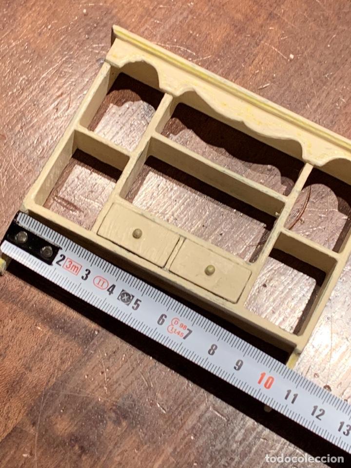 Casas de Muñecas: Estantería estilo shabby chic para casa de muñecas. Miniatura. - Foto 6 - 233743600
