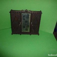 Case di Bambole: ARMARIO. Lote 241929330