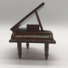 Casas de Muñecas: PIANO DE MADERA, CASA DE MUÑECAS. Lote 251572370
