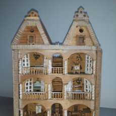 Casas de Muñecas: ANTIGUA CASITA EN MINIATURA MUÑECAS. MADERA. ARTESANAL. Lote 260503895