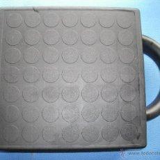 Casetes antiguos: MALETIN PORTA CASEETTES PARA 24 CINTAS EN PERFECTO ESTADO PEPETO. Lote 50310734