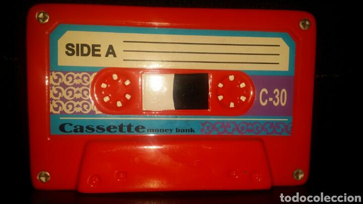 CINTA DE CASETTE HUCHA ROJA CASETE RADIOCASETTE RADIOCASETE (Música - Casetes)