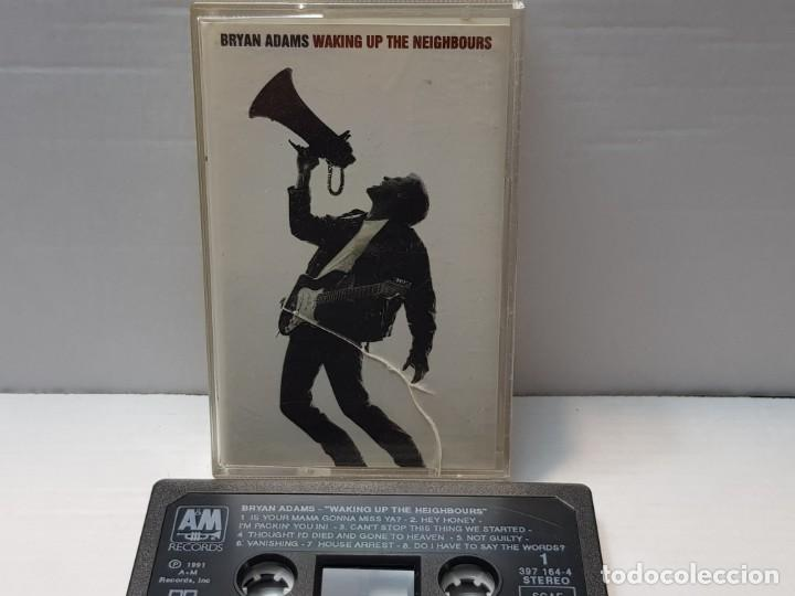 CASSETTE-BRYAN ADAMS-WAKING UP THE HEIGHBOURS EN FUNDA ORIGINAL AÑO 1991 (Música - Casetes)