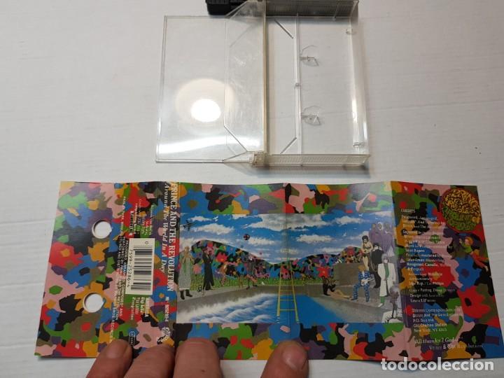 Casetes antiguos: Cassette-PRINCE AND REVOLUTION-ARROUND THE WORLD IN A DAY en funda original año 1985 - Foto 2 - 190600785
