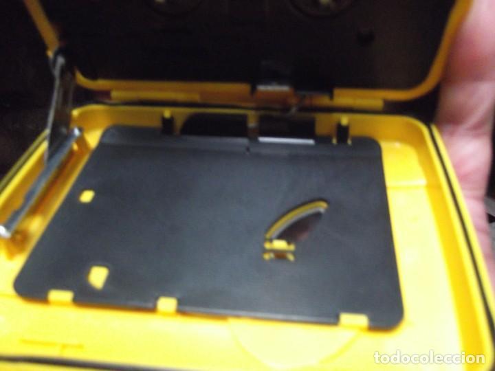 Casetes antiguos: Walkman Sony Nuevo Modelo SPORT del 92 se regala Bolsa Bandolera con compartimientos On Music - Foto 4 - 204313656