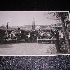 Coches y Motocicletas: POSTAL FOTOGRAFICA DE CARRERAS DE COCHES Y MOTOS. Lote 7512346