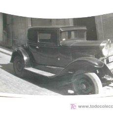 Coches y Motocicletas: FOTO ORIGINAL CON AUTOMÓVIL BARCELONA MIDE APROX. 10 X 7 CMS. .. Lote 6810960