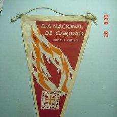 Coches y Motocicletas: 6257 BANDERIN CARITAS AÑOS 1950/60 - MAS DE ESTE TIPO EN MI TIENDA TC. Lote 7978680