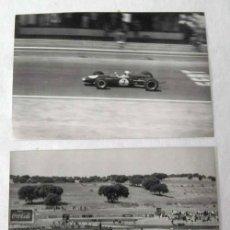 Coches y Motocicletas: 2 FOTOS BLANCO Y NEGRO CARRERAS COCHES POSIBLEMENTE JARAMA MADRID. Lote 9641742