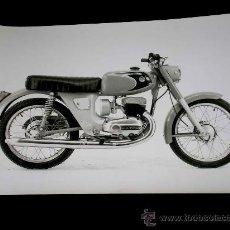 Coches y Motocicletas: BULTACO FOTOGRAFÍA ORIGINAL PRENSA. SELLADA REVERSO COPYRIGHT. 18 X 13 CMS. AÑOS 60-70. EXCELENTE.. Lote 26403630