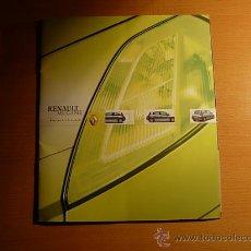 Coches y Motocicletas: RENAULT MEGANE - CATÁLOGO COMERCIAL (2002) - ESPAÑOL. Lote 22995970