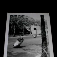 Coches y Motocicletas: FOTOGRAFÍA ORIGINAL MOTOCICLETAS, II GRAN PREMIO DE ESPAÑA, VIII BARCELONA, MONTJUICH 1951. Lote 26262099
