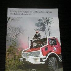 Coches y Motocicletas: MERCEDES UNIMOG CAMION BOMBEROS - CATALOGO PUBLICIDAD ORIGINAL - 2006 - ALEMAN. Lote 27198324