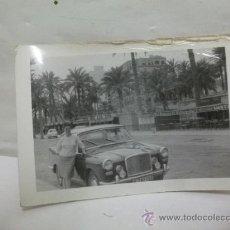 Coches y Motocicletas: + ALICANTE ANTIGUA FOTO COCHE INGLES AÑ 60 MATRICULA MADRID 292153 -11 X 7,5 CM VANDEN PLAS PRINCESS. Lote 27500497