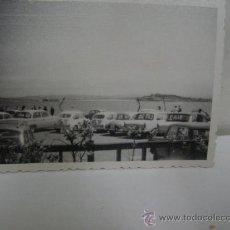 Coches y Motocicletas: + RENAULT GORDINI SEAT 600, 1500. ANTIGUA FOTOGRAFÍA AÑOS 60. 8,5 X 6,5 CM. Lote 29059639