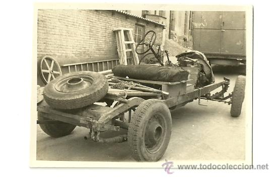 Coches y Motocicletas: LOTE DE 5 FOTOS DE COCHE AUTO CHEVROLET (ACCIDENTADO 1948, FOTO AMPLIACIÓN MASANA, MANRESA) - Foto 4 - 36277086