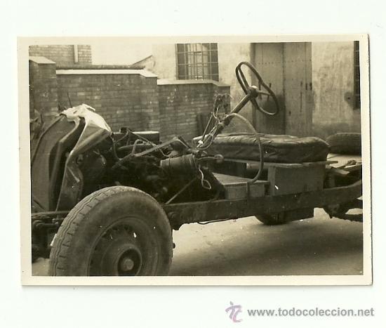 Coches y Motocicletas: LOTE DE 5 FOTOS DE COCHE AUTO CHEVROLET (ACCIDENTADO 1948, FOTO AMPLIACIÓN MASANA, MANRESA) - Foto 5 - 36277086