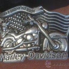 Coches y Motocicletas: CINTURON DE CUERO CON HEBILLA HARLEY-DAVIDSON FREEDOM TO RIDE(HEBILLA 10X7CM) . Lote 52150789