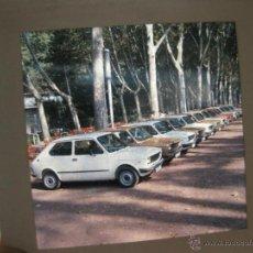 Coches y Motocicletas: FOTOGRAFIA EN DIAPOSITIVA DE 6 X 6 PARA LA PUBLICIDAD DEL SEAT 127. Lote 39670089