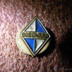 Coches y Motocicletas: MUY ANTIGUA INSIGNIA - BORGWARD - AÑOS 40, 50 -. Lote 40718176