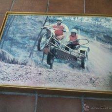 Coches y Motocicletas: POSTER ORIGINAL DE MOTOCROS.AÑOS 70S.ENMARCADO EN MADERA;90X67CM. Lote 46518120