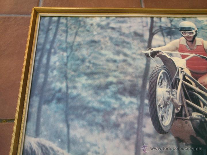 Coches y Motocicletas: POSTER ORIGINAL DE MOTOCROS.AÑOS 70S.ENMARCADO EN MADERA;90X67CM - Foto 4 - 46518120