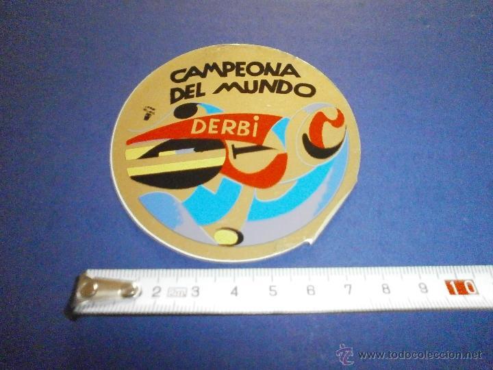 PEGATINA DERBI CAMPEONATO DEL MUNDO (Coches y Motocicletas Antiguas y Clásicas - Catálogos, Publicidad y Libros de mecánica)