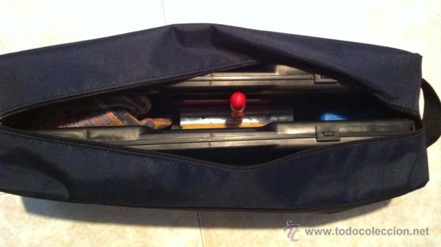 Coches y Motocicletas: Estupendo kit con bolsa para coche con triangulos caja bombillas, y otro accesorios - Foto 4 - 69933054