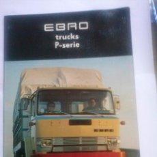 Coches y Motocicletas: CAMIONES EBRO SERIE P CATÁLOGO DESPLEGABLE + 2 FICHAS P-137 , EN HOLANDÉS. Lote 49617717