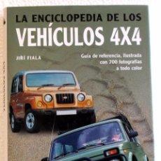 Coches y Motocicletas: LIBRO LA ENCICLOPEDIA DE LOS VEHÍCULOS 4 X 4. Lote 104263599