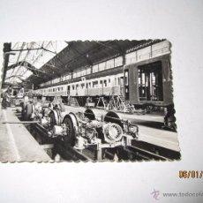 Coches y Motocicletas: FOTO PUBLICITARIA DIRECCIÓN NACIONAL DE LAS FABRICAS RENAULT - VAGONES METRO CHOISY-LE-ROI AÑO 1950S. Lote 53700466