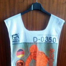 Coches y Motocicletas: PETO-DORSAL PRENSA F-1 - ALEMANIA 2002. Lote 53957354