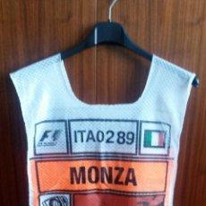 Coches y Motocicletas: PETO-DORSAL PRENSA F-1 - ITALIA 2005. Lote 53958197
