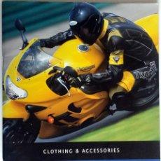 Coches y Motocicletas: CATALOGO PUBLICIDAD ORIGINAL TRIUMPH CLOTHING & ACCESSORIES. 2001.. Lote 54634780