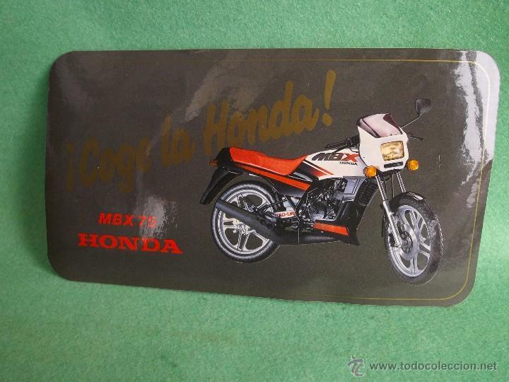 ESCASA PEGATINA HONDA MBX 75 RARO ADHESIVO ORIGINAL 1984 COLECCION MOTOCICLISMO VINTAGE (Coches y Motocicletas Antiguas y Clásicas - Catálogos, Publicidad y Libros de mecánica)