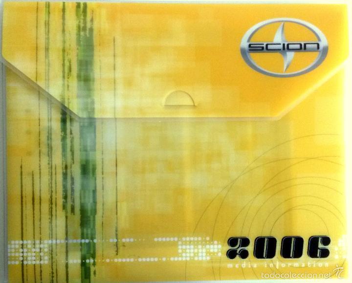 DOSSIER PRENSA SCION 2006 + CD. (Coches y Motocicletas Antiguas y Clásicas - Catálogos, Publicidad y Libros de mecánica)