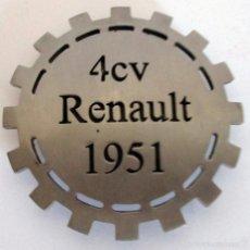 Coches y Motocicletas - INSIGNIA RENAULT 4 CV - 58538757