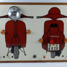 Coches y Motocicletas: VESPA ANTIGUO PANEL LUMINOSO DE AUTOESCUELA, MOTO VESPA, IDEAL PARA. Lote 74937383
