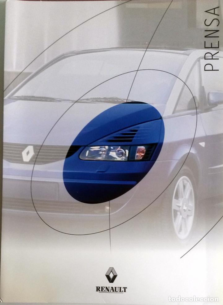 DOSSIER DE PRENSA OFICIAL RENAULT DESIGN. (Coches y Motocicletas Antiguas y Clásicas - Catálogos, Publicidad y Libros de mecánica)