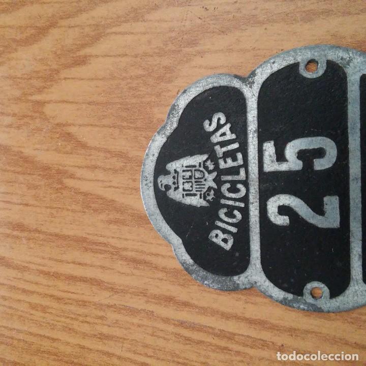 Coches y Motocicletas: CHAPA PLACA BICIS - CASTELLCIR - BARCELONA - PLACA N. 25 - Foto 2 - 86754052