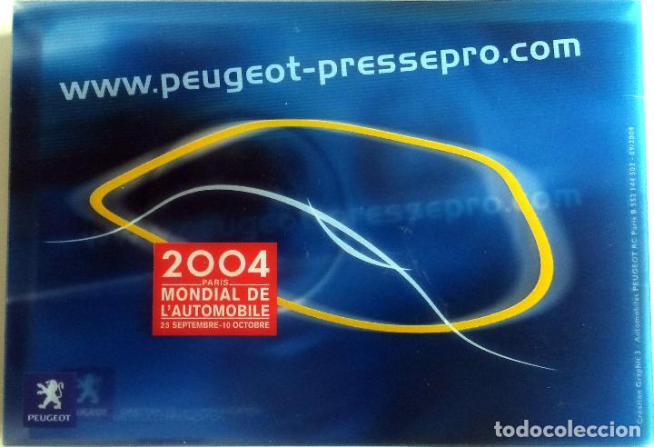 Coches y Motocicletas: DOSSIER DE PRENSA OFICIAL PEUGEOT - MUNDIAL DEL AUTOMÓVIL 2004 - Texto en FRANCÉS. - Foto 2 - 101382511