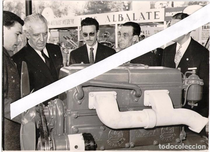 12 FOTOGRAFIAS 18X24 AÑOS 60,FERIAS, MOTORES MATACAS Y ROGELIO PONT, +TARJETA COLOR 18X15 (Coches y Motocicletas Antiguas y Clásicas - Catálogos, Publicidad y Libros de mecánica)